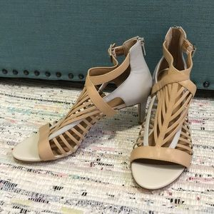 Short open-toe skinny heels